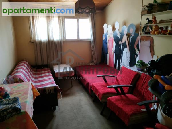Тристаен апартамент Варна Чаталджа 8