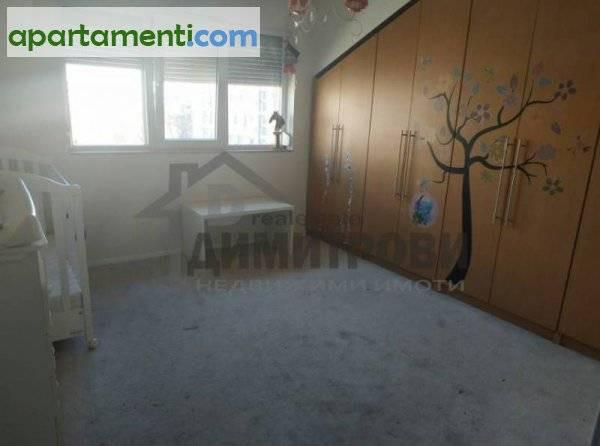 Тристаен апартамент Варна Център 17