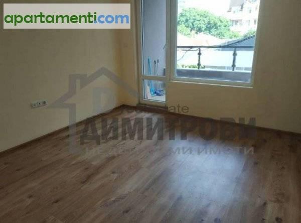 Тристаен апартамент Варна Колхозен Пазар 9