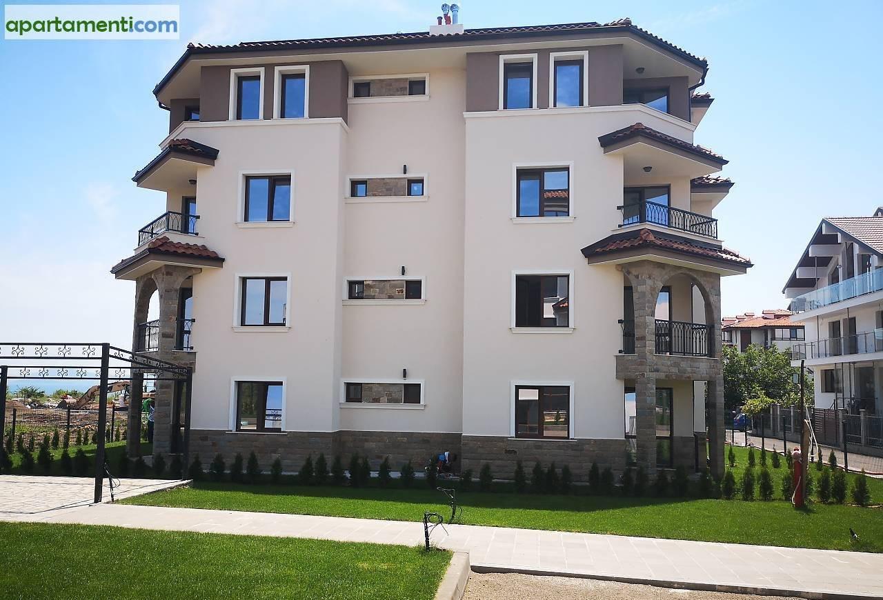 Тристаен апартамент Бургас Сарафово 3