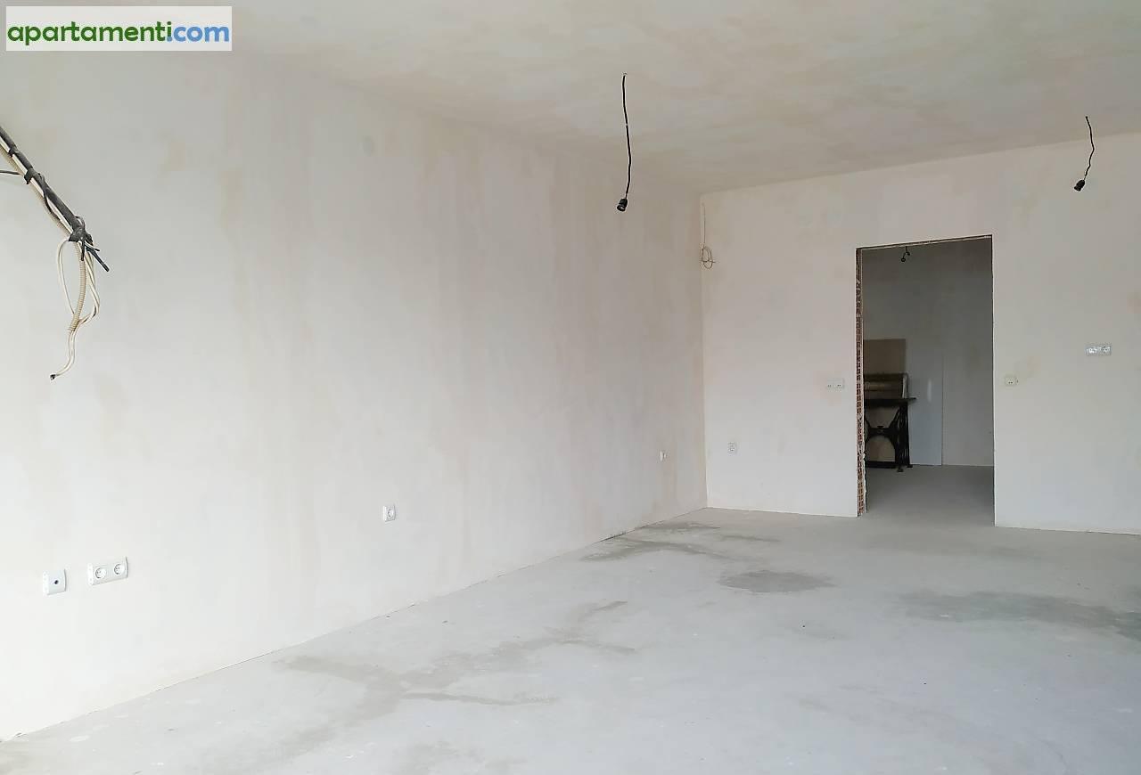 Тристаен апартамент Варна  Център 4