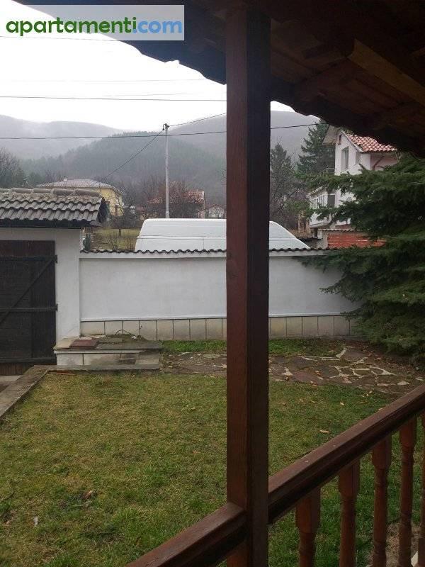 Къща, София, Лозен 25