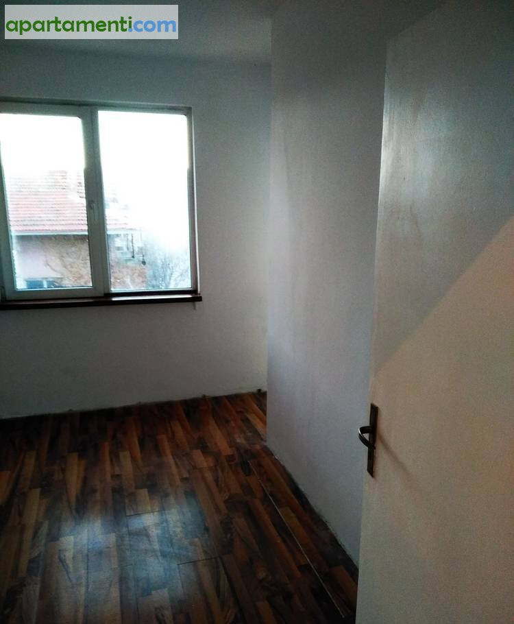 Тристаен апартамент Бургас Възраждане 3