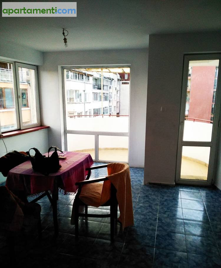 Тристаен апартамент Бургас Възраждане 5