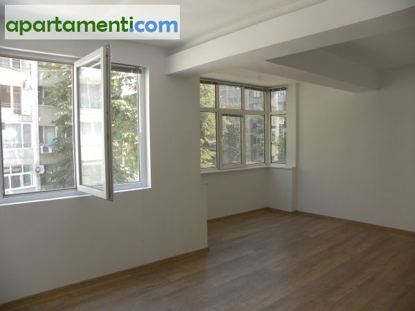 Тристаен апартамент, Бургас, Лазур 1