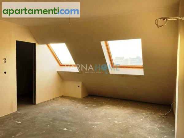 Тристаен апартамент Варна Център 6