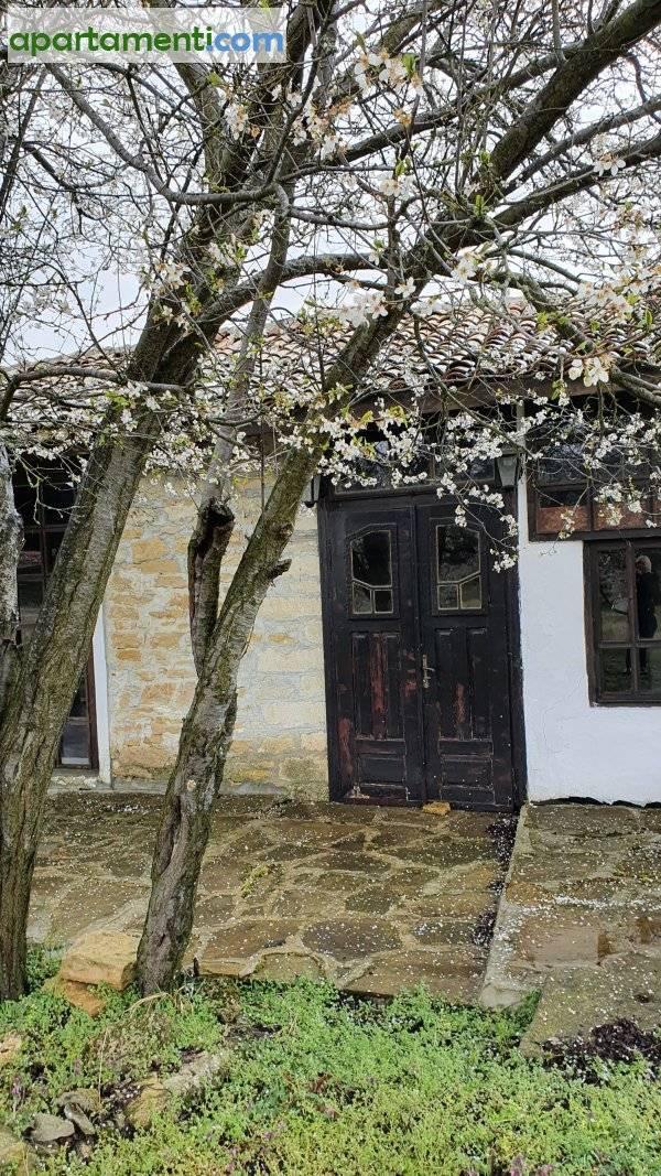 Къща, Варна област, с.Левски 10
