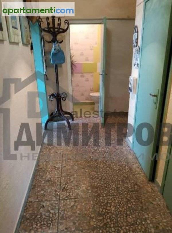 Тристаен апартамент Варна Център 12