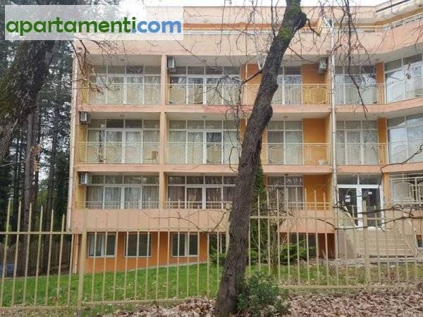 Тристаен апартамент Бургас област гр.Китен 1