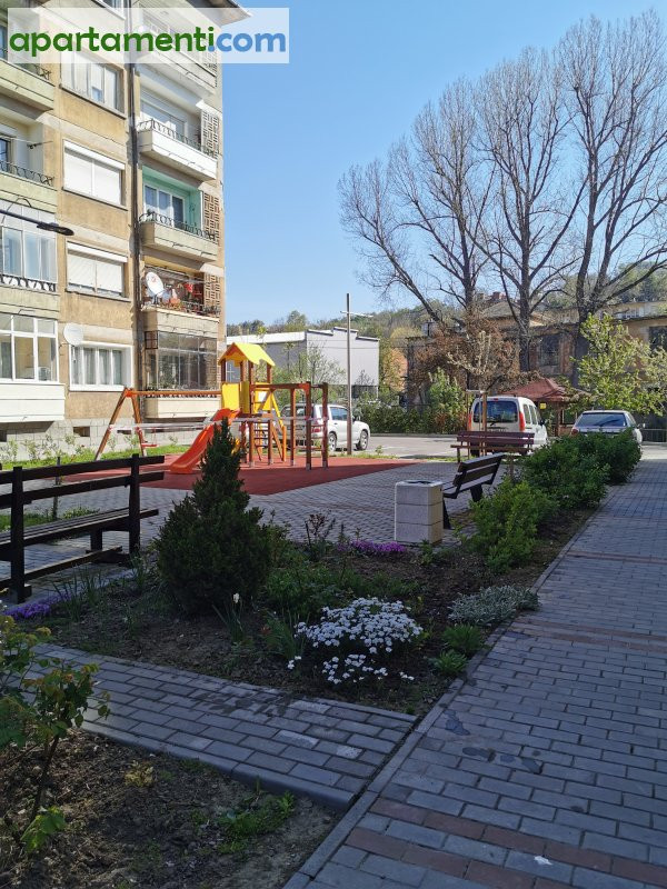 Тристаен апартамент, Габрово, Център 15