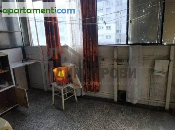 Тристаен апартамент Варна Автогарата 15