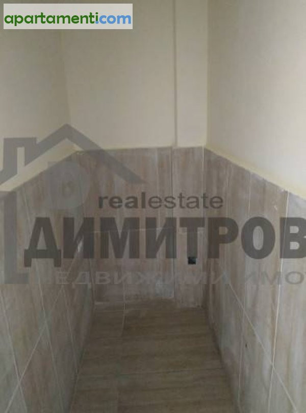 Тристаен апартамент Варна Колхозен Пазар 16