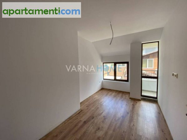 Тристаен апартамент Варна Цветен 10