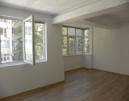 Снимка на имота Тристаен апартамент, Бургас, Лазур | Под наем имоти Бургас